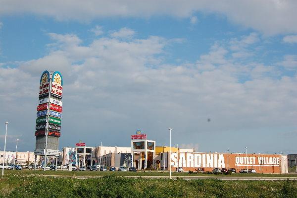 Sardegna centri commerciali skyscrapercity for Conforama sestu